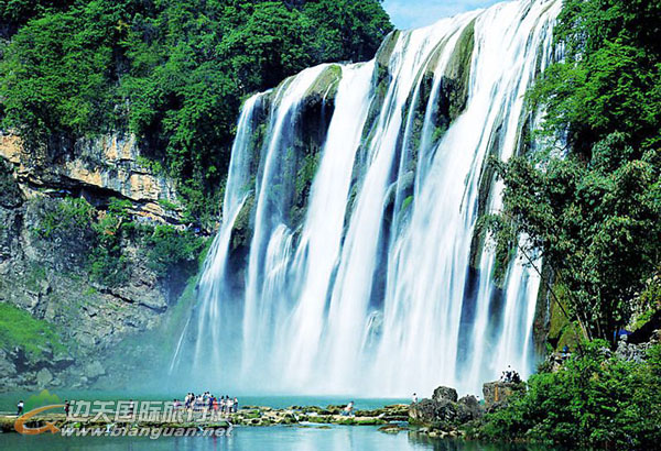 贵州黄果树瀑布、息烽遵义、黔灵山双卧五日游