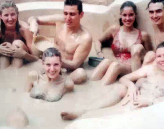 越南芽庄——特色男女混洗泥浆浴