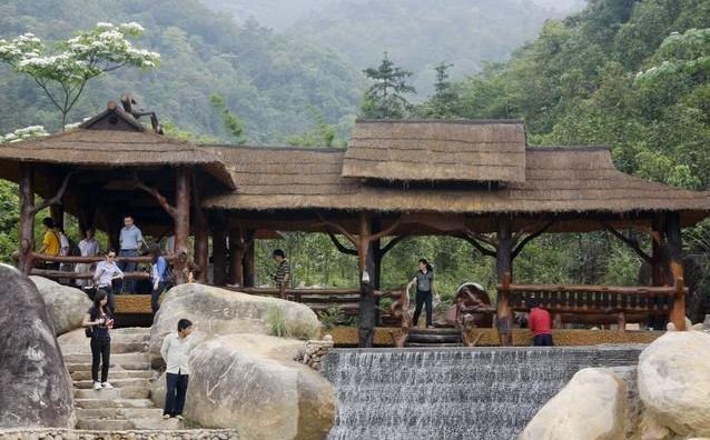 东兴市马路镇屏峰雨林公园