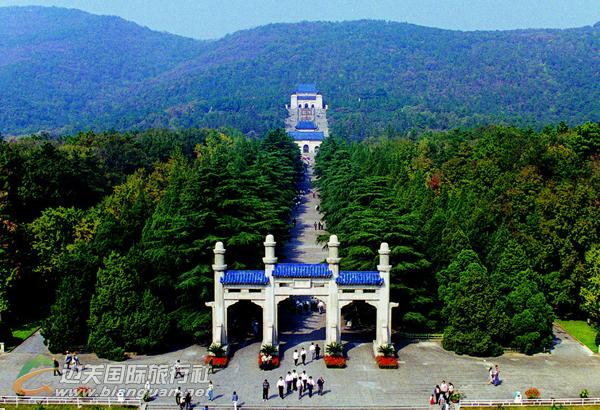 南京中山陵、常州春秋淹城乐园+杭州宋城景区+水乡乌镇西栅双飞6日游