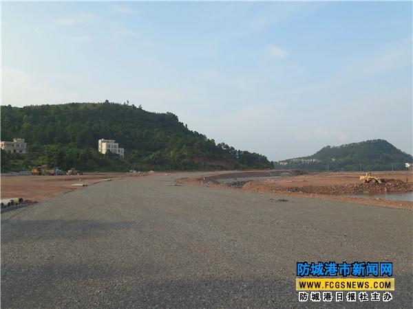 防城港江山半岛环岛东路扩建工程进展顺利