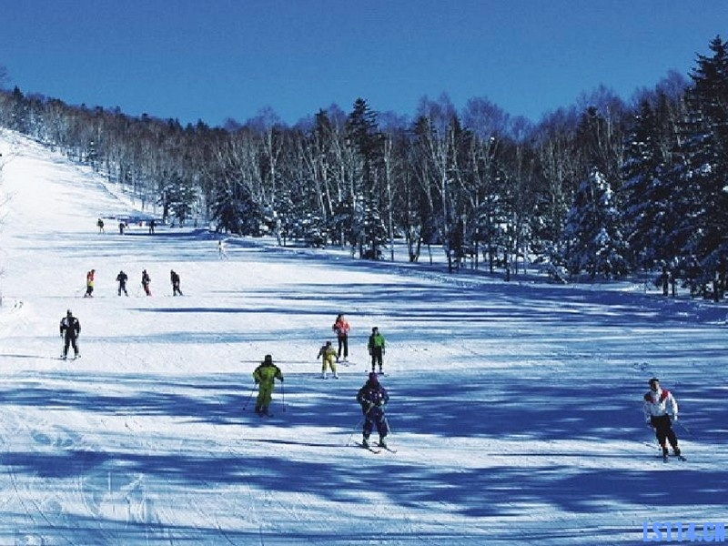 【春节不打烊,还来得及报名】成都西岭雪山滑雪、花水湾温泉、安仁古镇双飞4日游