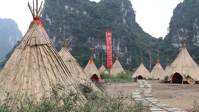 越南旅游形象大使乔丹沃格特-罗伯茨再次探访《金刚:骷髅岛》电影拍摄